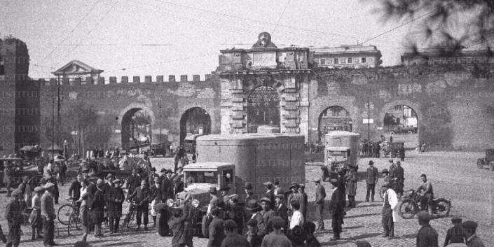 largo brindisi 1930