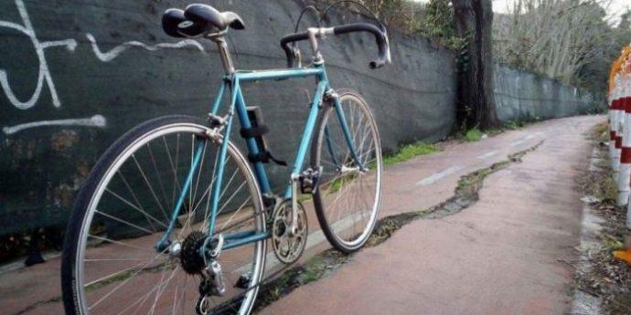 La faglia lungo la ciclopedonale di Via del Foro Italico