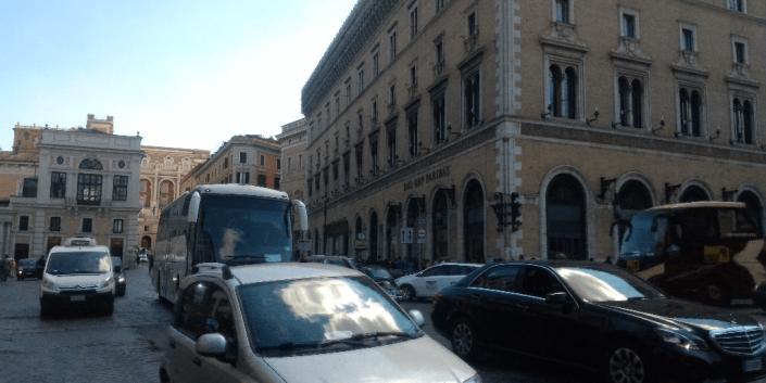traffico a piazza venezia