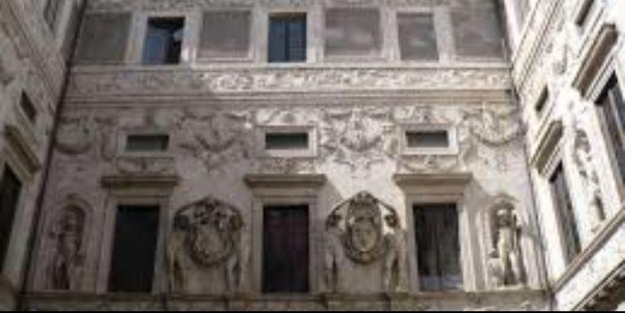 palazzo salviamo roma